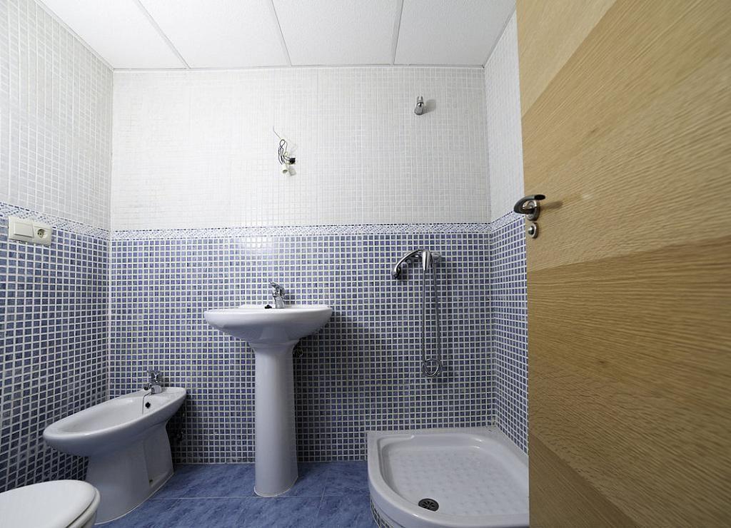 Baño - Piso en alquiler en calle Iglesia, Camarena - 287274314