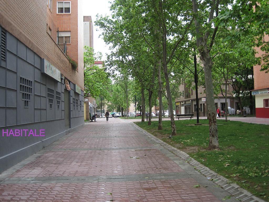 Local comercial en alquiler en calle Jose Luis Borau, Parque de los cineastas en Zaragoza - 277047421