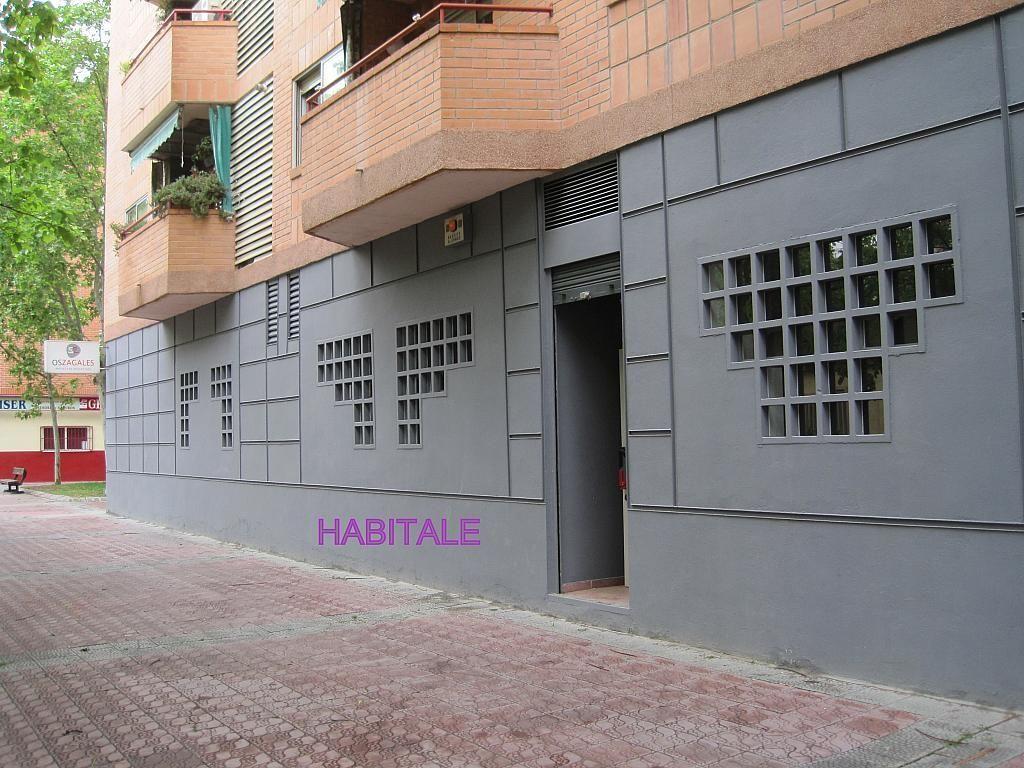 Local comercial en alquiler en calle Jose Luis Borau, Parque de los cineastas en Zaragoza - 277047829
