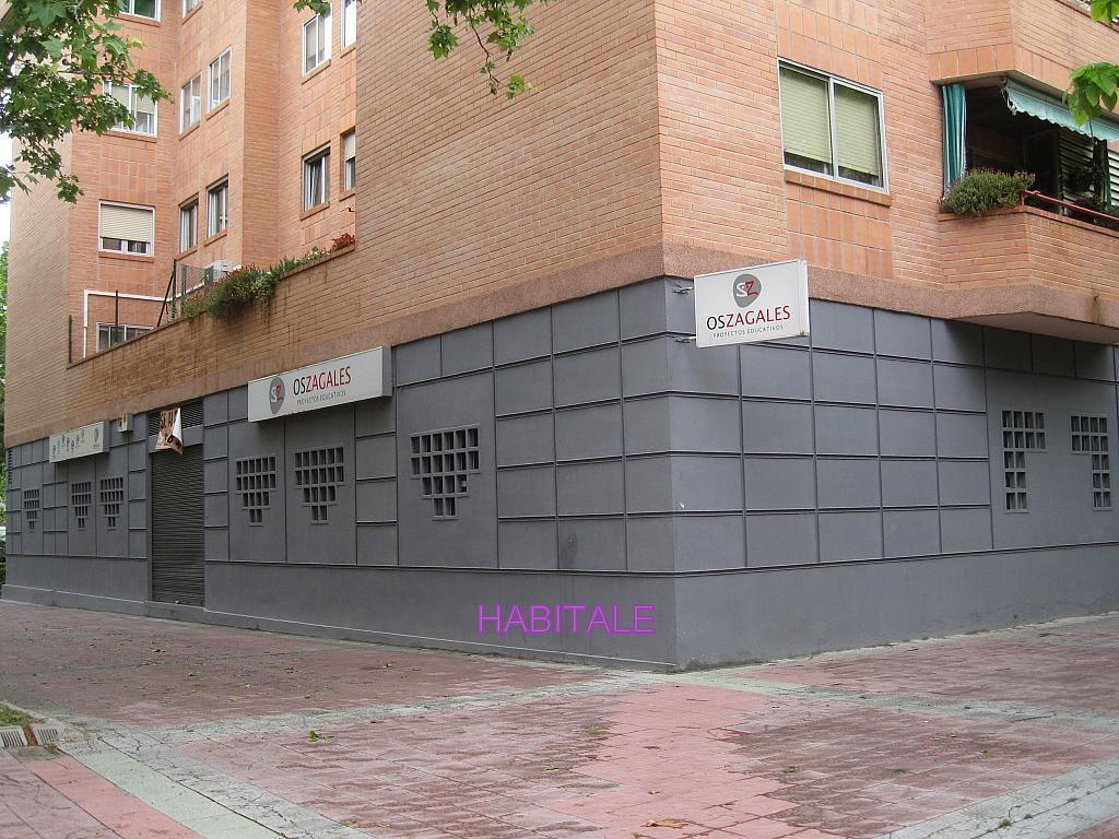 Local comercial en alquiler en calle Jose Luis Borau, Parque de los cineastas en Zaragoza - 277047833