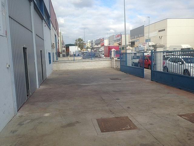 Nave industrial en alquiler en Salteras - 382826056