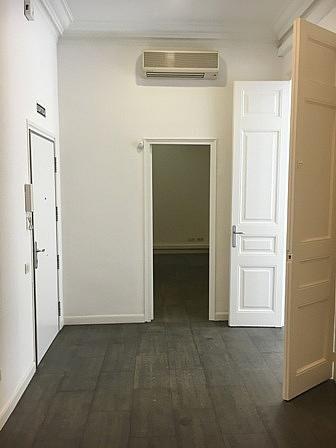 Oficina en alquiler en ronda Universitat, Eixample esquerra en Barcelona - 261968771