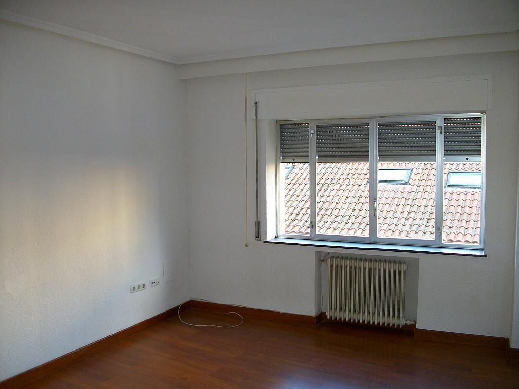 Piso en alquiler en calle Correhuela, Centro en Salamanca - 266036261