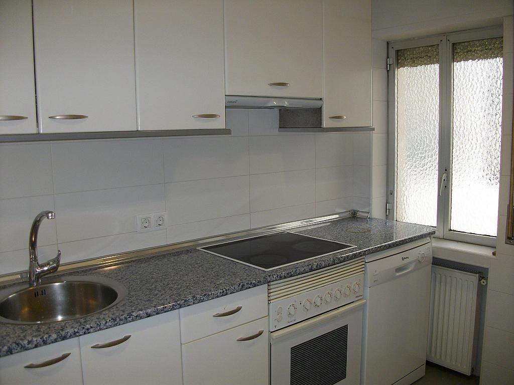Piso en alquiler en calle Correhuela, Centro en Salamanca - 266037236