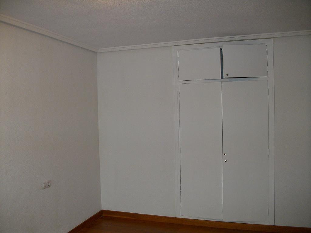 Piso en alquiler en calle Correhuela, Centro en Salamanca - 266038967