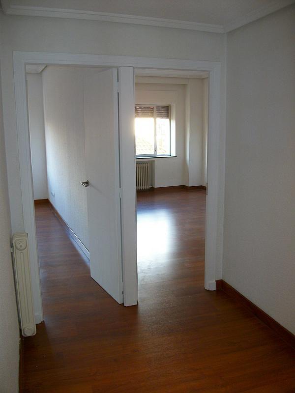 Piso en alquiler en calle Correhuela, Centro en Salamanca - 266039950