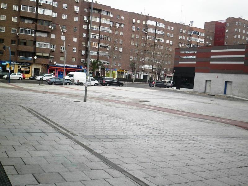 Local comercial en alquiler en La Avanzada-La Cueva en Fuenlabrada - 110509994