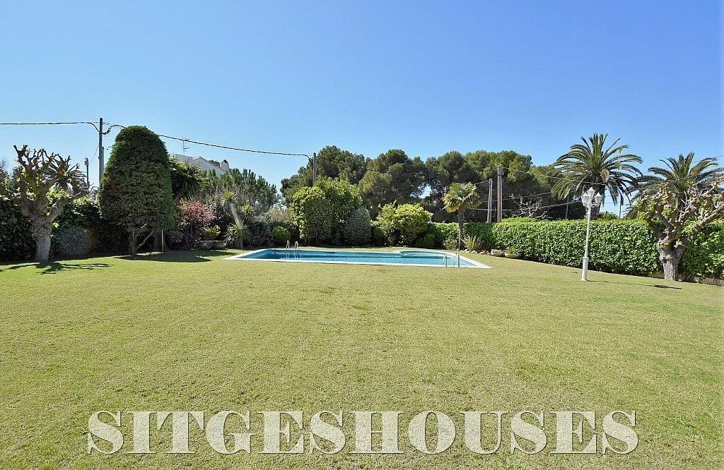 Jardín - Casa en alquiler en calle Josep Planas I Robert, Terramar en Sitges - 263611460