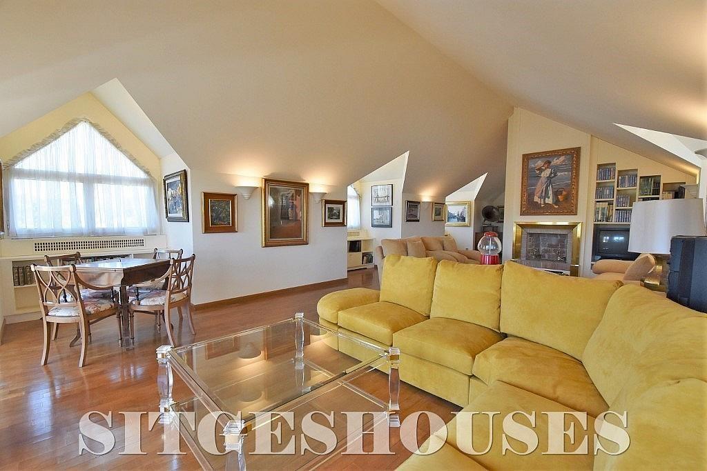 Salón - Casa en alquiler en calle Josep Planas I Robert, Terramar en Sitges - 263611481