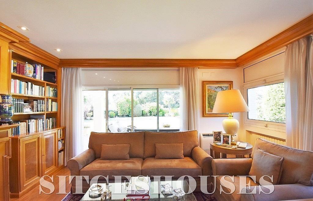 Salón - Casa en alquiler en calle Josep Planas I Robert, Terramar en Sitges - 263611524