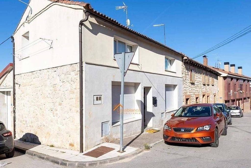 Casa adosada en venta en Alfoz de Quintanadueñas