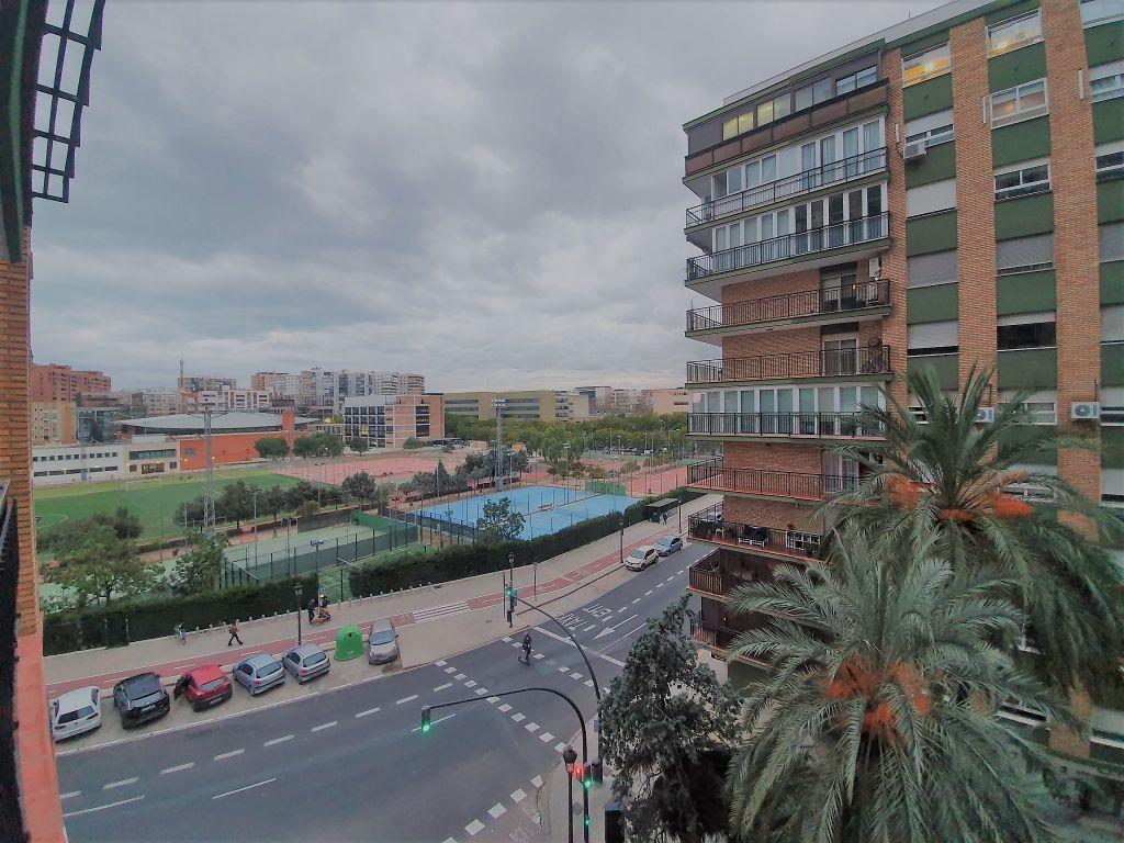 Piso en alquiler en Torrefiel en Valencia