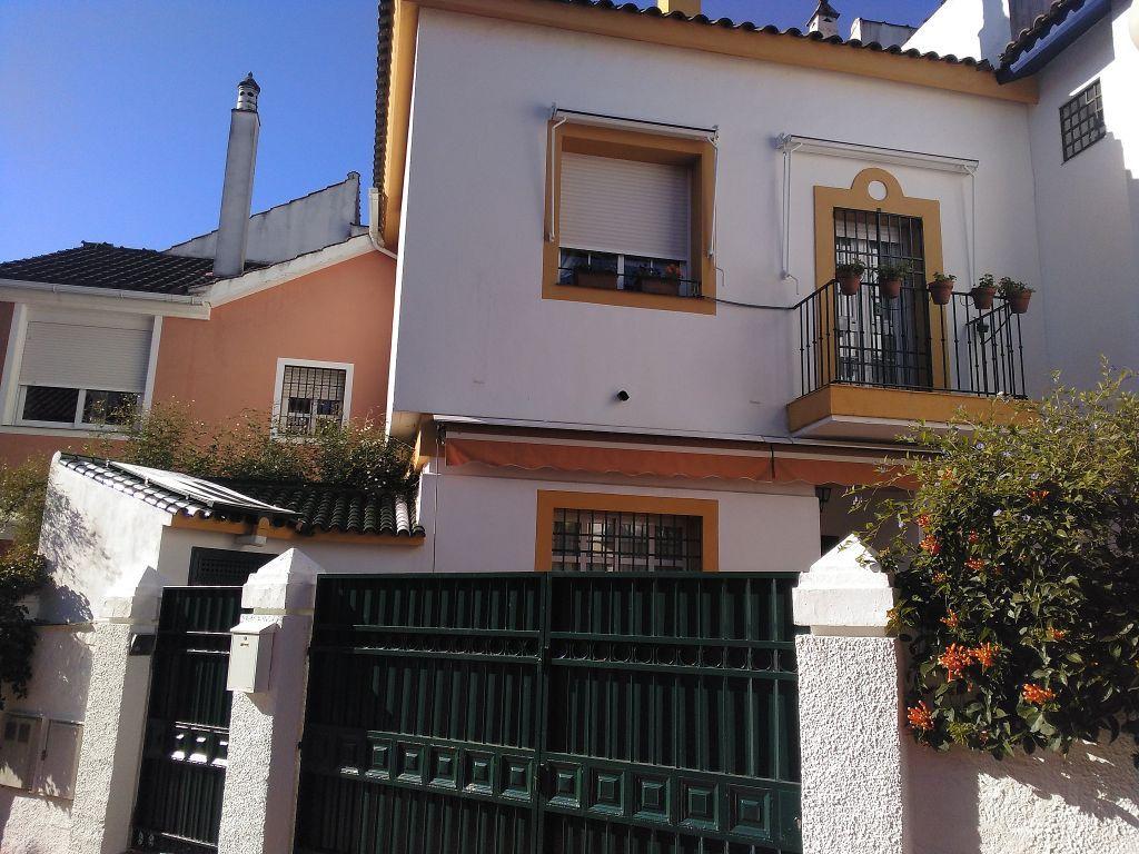 Casa adosada en venta en El Brillante -El Naranjo