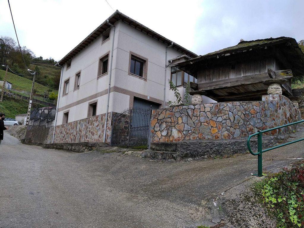 Casa en venta en Cangas del Narcea