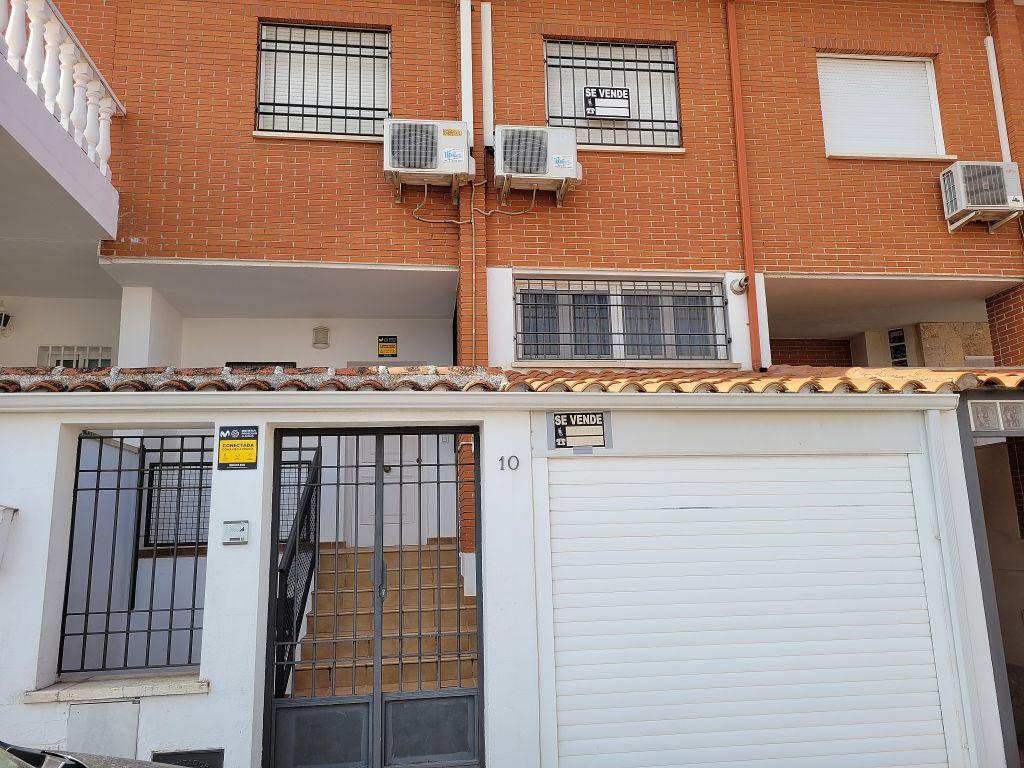 Casa adosada en venta en Miguelturra
