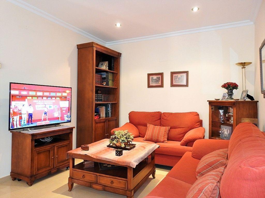 Casa adosada en venta en Tomelloso