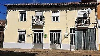 Casa adosada en venta en Camarzana de Tera