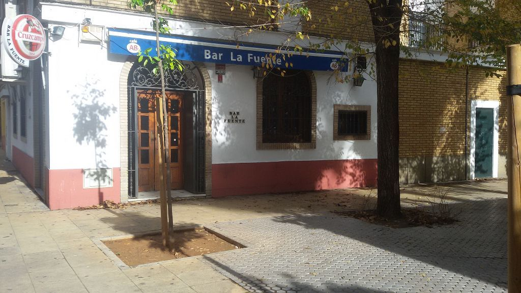 Bar en alquiler en Cruz Roja en Sevilla