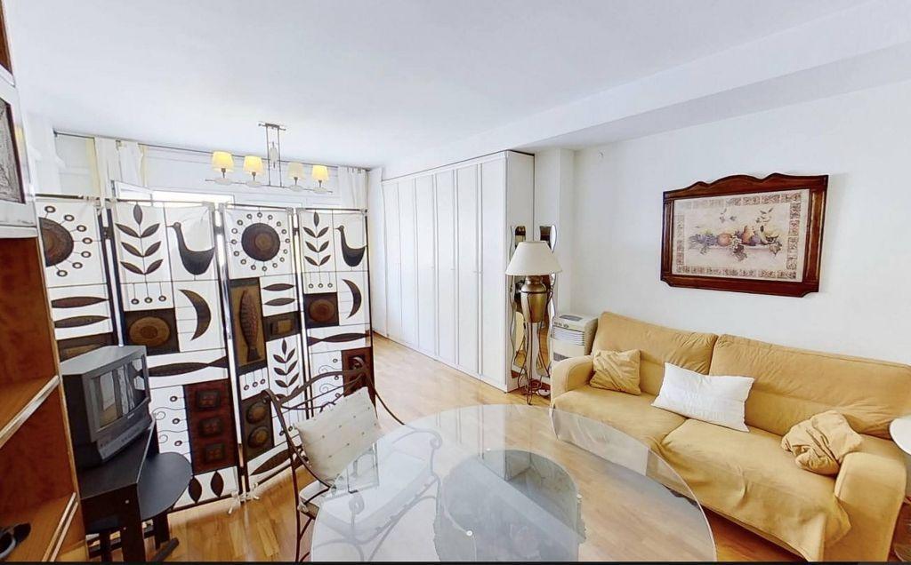 Apartamento en venta en El Raval en Barcelona