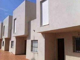 Casa adosada en venta en calle Miguel Clavijo, Estepona - 413971116